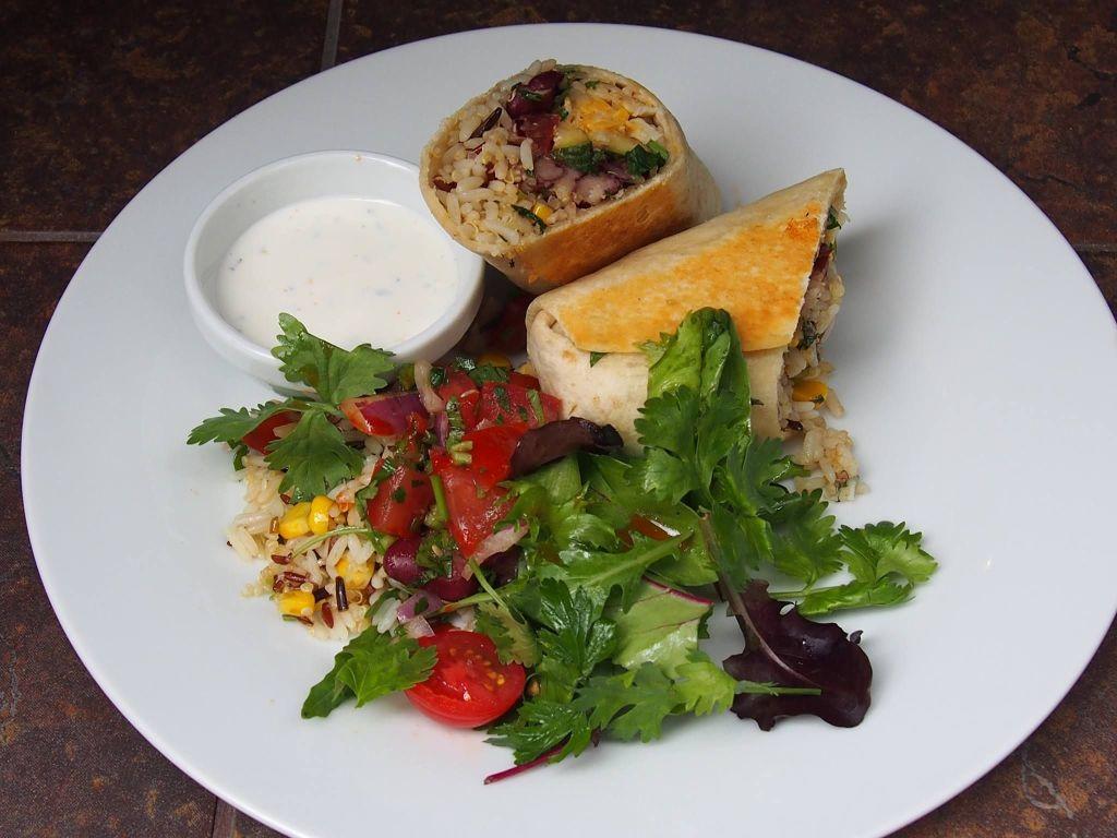 picture from Estrella Restaurant's facebook photos
